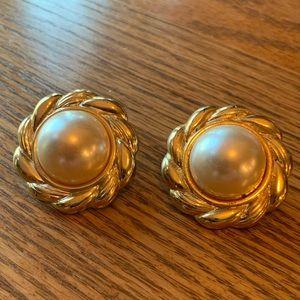 💥4/$10💥 Vintage Clip On Earrings